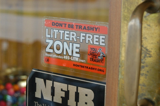 Litter-Free Zone Decal2