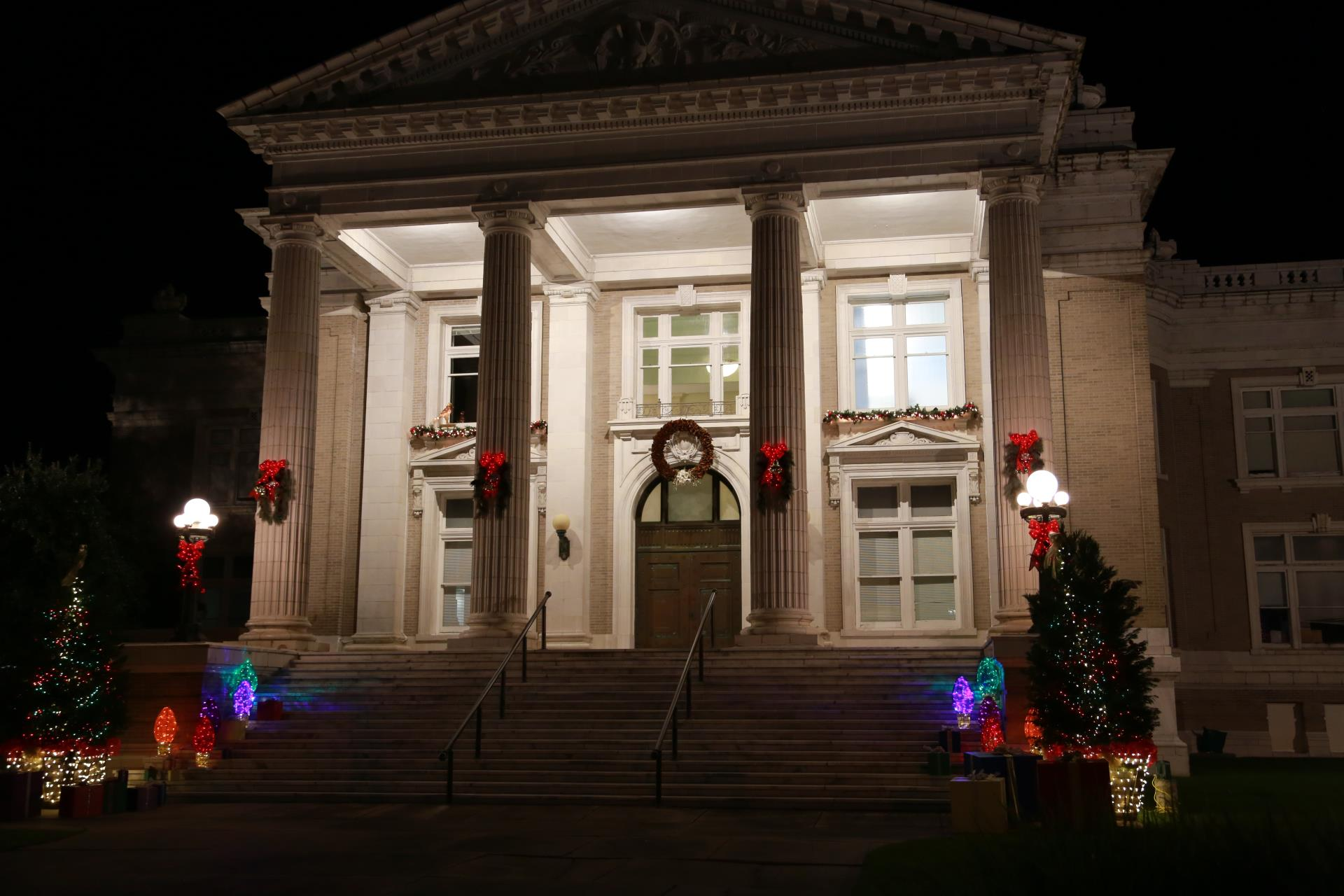 christmas at courthouse