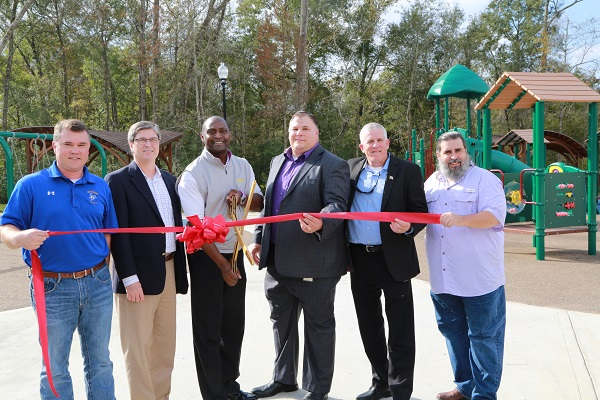 River Bluff ribbon cutting officials